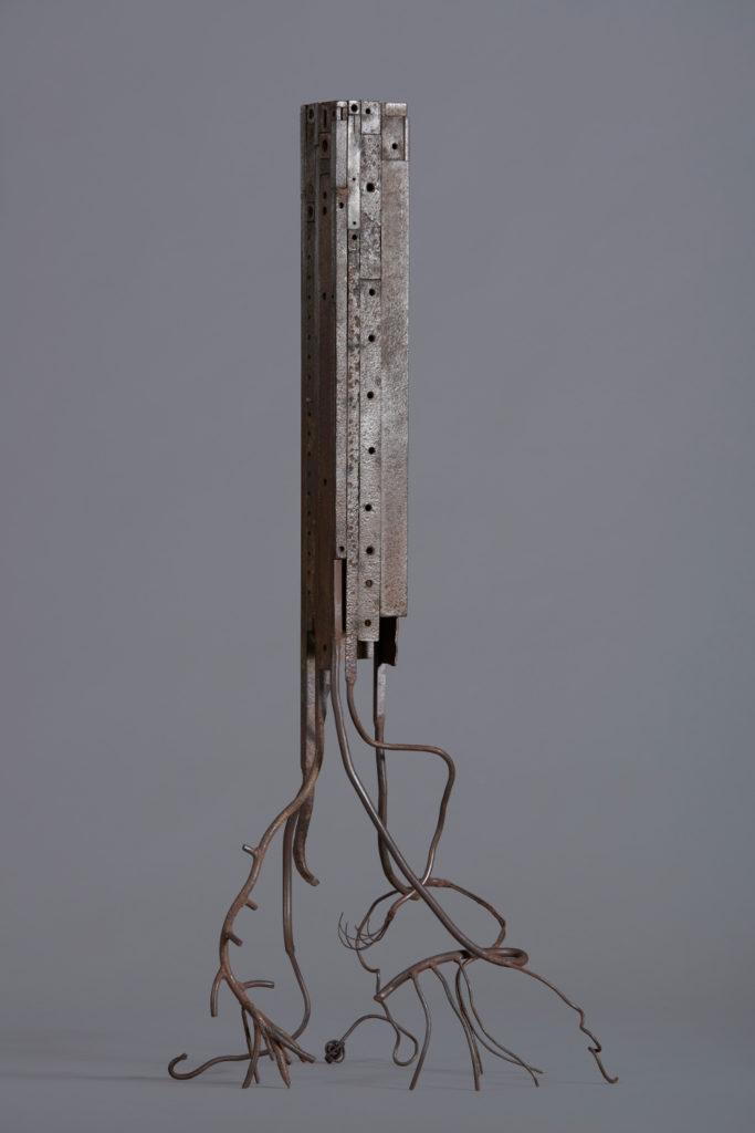 Souche H. 109 ; L. 51 ; l. 40 cm