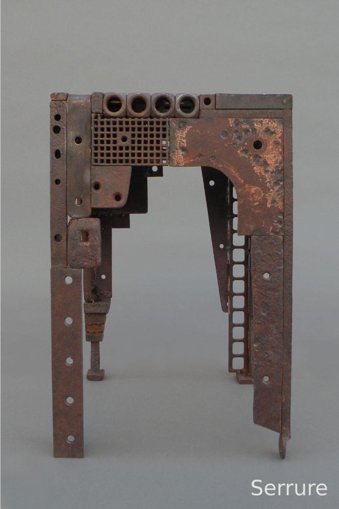 """Tabouret""""Serrure""""  H. 45 ; L. 30 ; l. 30 cm"""