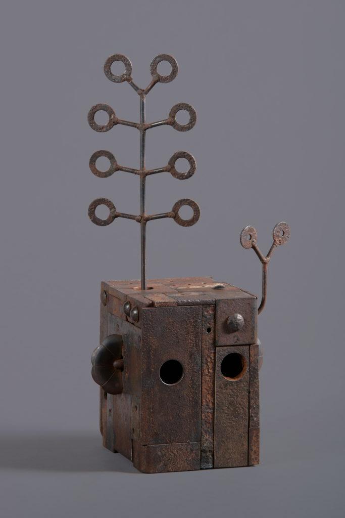 Protection H. 43 ; l. 22 ; P. 15 cm
